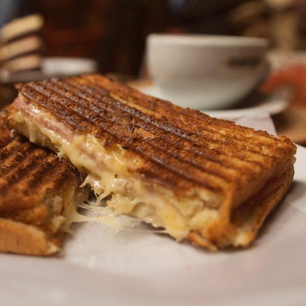 Cafe con leche + tostado